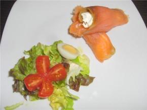 Rollitos de salmón y philadelphia