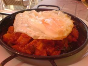 Tapa de Pisto con huevo